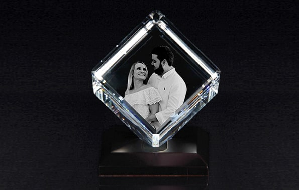 Make Your Moments Shine in a 3D Crystal Cube